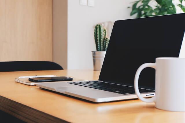 Praca z domu – kilka pomysłów na pracę w internecie